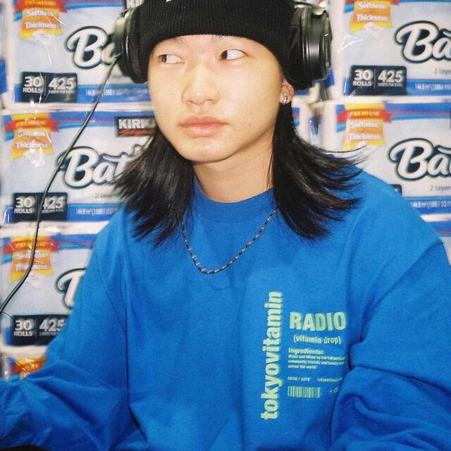 GDC(ジーディーシー)のtokyovitamin ロンt Blue レディースのトップス(Tシャツ(長袖/七分))の商品写真