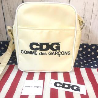 コムデギャルソン(COMME des GARCONS)のコムデギャルソン CDG 新作新品 完売品!ナイロン ショルダーバッグ 白 (ショルダーバッグ)