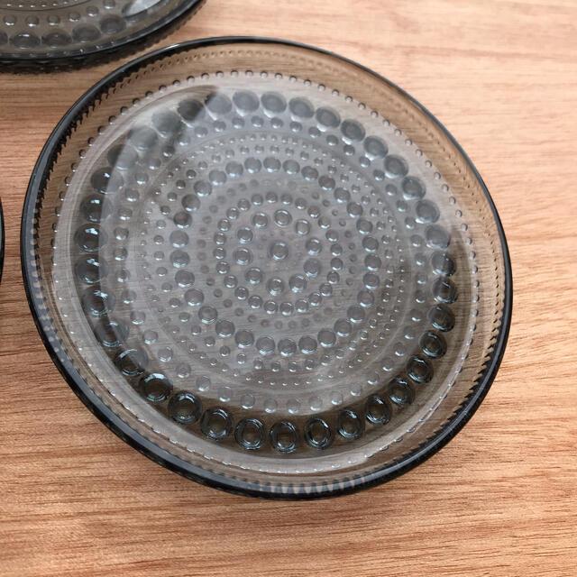 iittala(イッタラ)のイッタラ カステヘルミ プレート グレー 10cm 3枚セット インテリア/住まい/日用品のキッチン/食器(食器)の商品写真