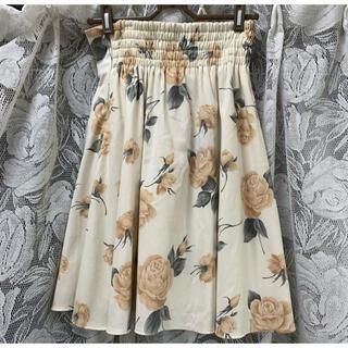 ミーア(MIIA)のmiia ミーア 花柄スカート(ひざ丈スカート)