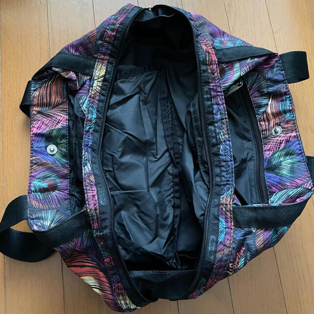 LeSportsac(レスポートサック)のレスポートサック トートバッグ 羽根 孔雀 バッグ レディースのバッグ(トートバッグ)の商品写真