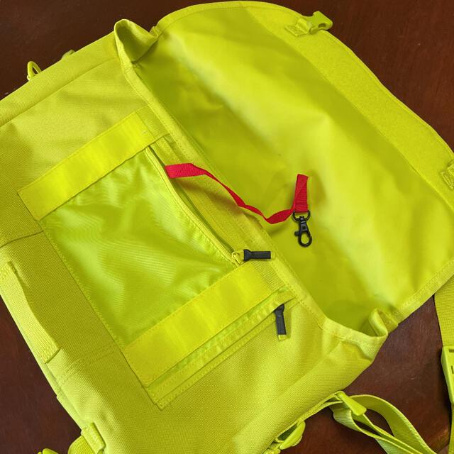 【TIMBUK2】メッセンジャーバッグ 蛍光 イエロー メンズのバッグ(メッセンジャーバッグ)の商品写真