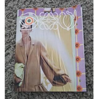 ロエベ(LOEWE)の【ロエベ】トトロシール付き カタログ ステッカーブック(その他)