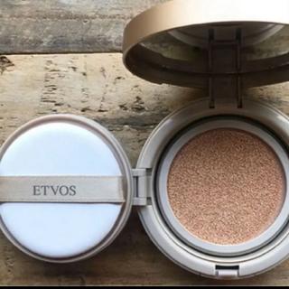 ETVOS - ETVOS 新品ケ-ス付き ミネラルグロウスキンクッション ナチュラル