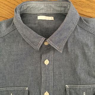 ユニクロ(UNIQLO)のGU UNIQLO デニムシャツ シャツ M ワイシャツ 襟シャツ(シャツ)