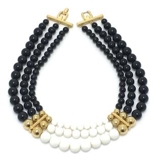 ジバンシィ(GIVENCHY)のジバンシィ ボールネックレス ネックレス ブラック×ホワイト×ゴールド金具(ネックレス)