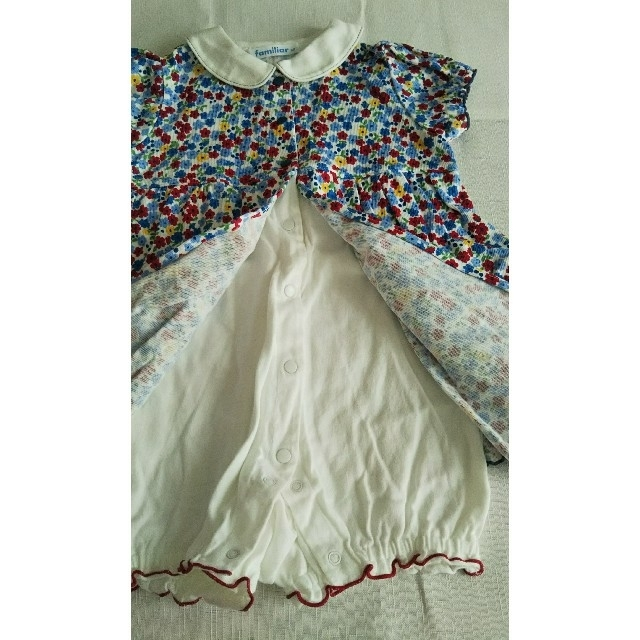 familiar(ファミリア)のファミリア 襟付き花柄ワンピースロンパース 80 キッズ/ベビー/マタニティのベビー服(~85cm)(ロンパース)の商品写真