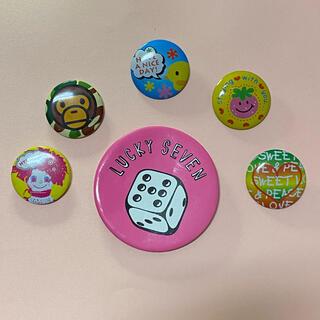 A BATHING APE - 【3末までセールでお値下げ中】缶バッジ6個まとめ売り!