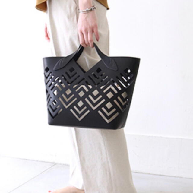 IENA(イエナ)の新品 ハシバミ レザー トートバッグ グリーン レディースのバッグ(ハンドバッグ)の商品写真