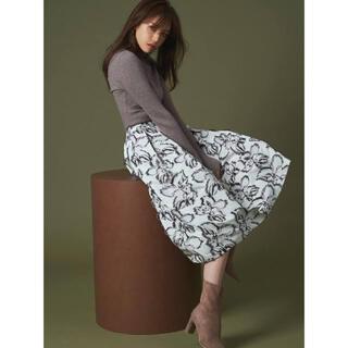 フレイアイディー(FRAY I.D)のcelford オリジナルフラワーJQスカート(ひざ丈スカート)