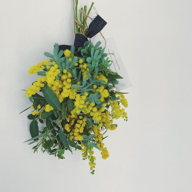 2021 mimosa 19 ギフトミモザ・ユーカリのスワッグ ハンドメイドのフラワー/ガーデン(ドライフラワー)の商品写真