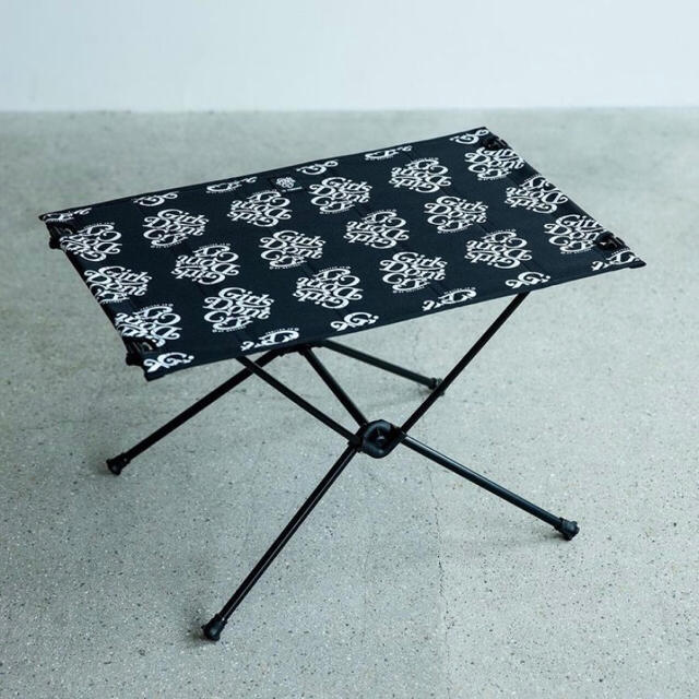 GDC(ジーディーシー)のGirlsDon'tCry ガールズドントクライ Helinox 伊勢丹 メンズのファッション小物(その他)の商品写真
