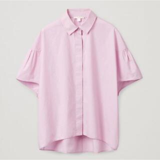 コス(COS)のCOS ピンクブラウス【未使用】(シャツ/ブラウス(半袖/袖なし))