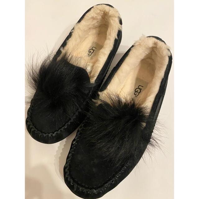 UGG(アグ)のUGG♡アグ♡モカシン♡ダコタ♡ポンポン♡Dakota PomPom♡ブラック メンズの靴/シューズ(スリッポン/モカシン)の商品写真