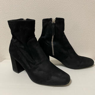 ZARA - ZARA ショートブーツ 黒 スウェード