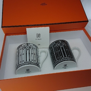 Hermes - エルメス H アッシュデコ マグカップ ( 白 & 黒 ) × 2個セット!