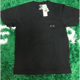 ユニクロ(UNIQLO)のUNIQLO×KAWS ユニクロ カウズ Tシャツ 新品 黒(Tシャツ/カットソー(半袖/袖なし))