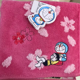 小学館 - ドラえもん桜ハンカチ新品