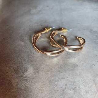 Ameri VINTAGE - #593 import pierce : X cross hoop gold