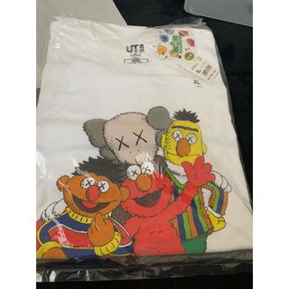 セサミストリート(SESAME STREET)のユニクロ カウズ セサミストリート 2枚セット(Tシャツ/カットソー(半袖/袖なし))