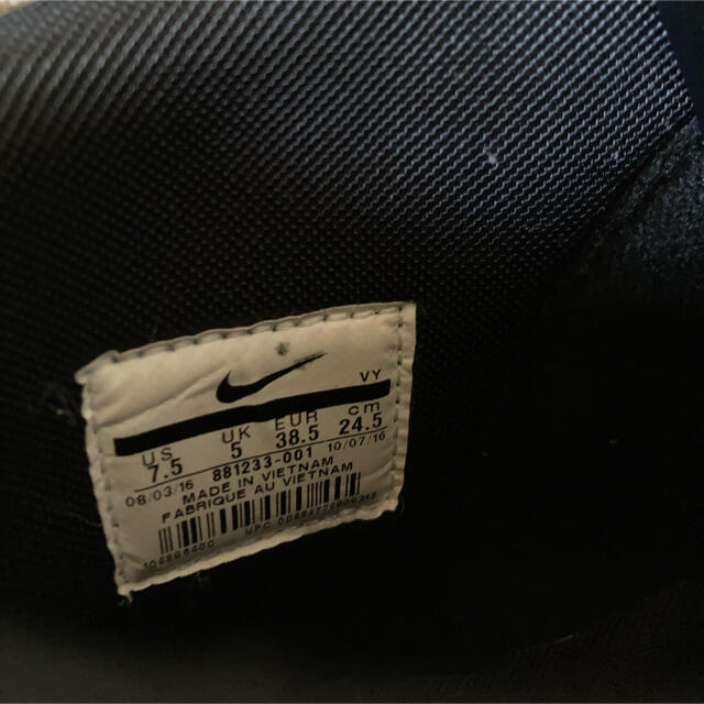 NIKE(ナイキ)のNIKEスニーカー レディースの靴/シューズ(スニーカー)の商品写真