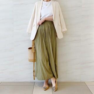 ユニクロ(UNIQLO)の新品 ユニクロ ワッシャーサテンスカートパンツ L(カジュアルパンツ)
