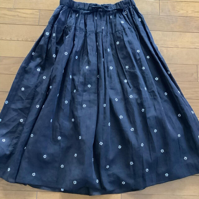 Drawer(ドゥロワー)のドゥロワー  jupe by Jackie フラワースカート ブラック新品未使用 レディースのスカート(ロングスカート)の商品写真