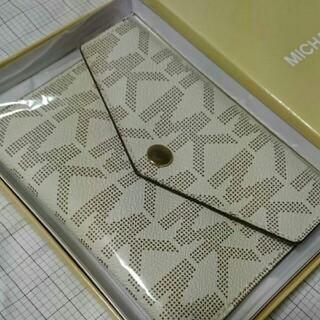 Michael Kors - 【未使用品】マイケルコース パスポートケース カードケース