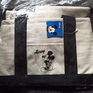 ディズニー(Disney)のモノトーンキャラクター車載保冷バッグ(その他)