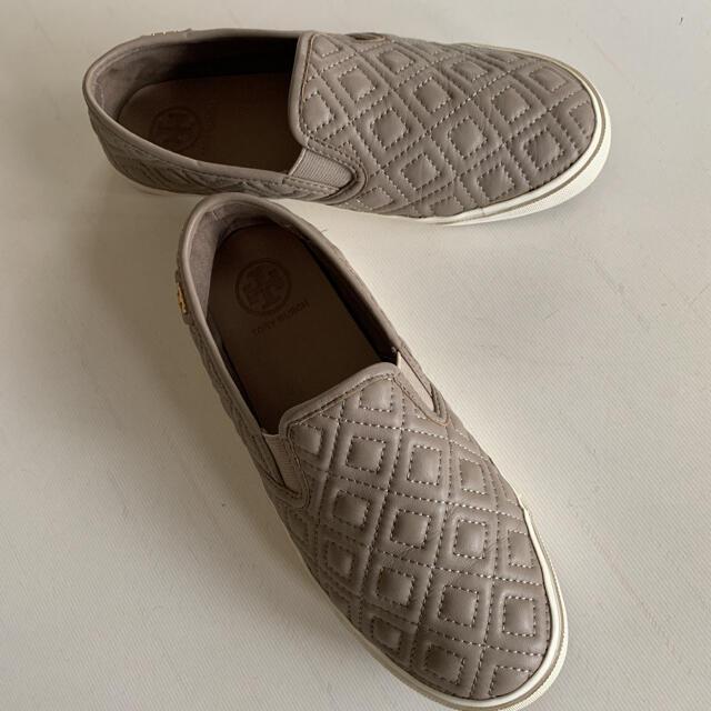 Tory Burch(トリーバーチ)のトリーバーチとアディダスシューズ2点 ああこ様 専用です レディースの靴/シューズ(スリッポン/モカシン)の商品写真