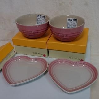 ルクルーゼ(LE CREUSET)のル・クルーゼ ライスボウル  スモールハートプレート  ピンク (食器)