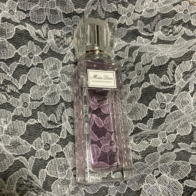 Dior(ディオール)のミスディオール ブルーミングブーケ オーデトワレ コスメ/美容の香水(香水(女性用))の商品写真