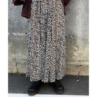 レトロガール(RETRO GIRL)のRETRO GIRL スカート ダルメシアン シフォン 裏地あり 白 黒 ゴム (ロングスカート)