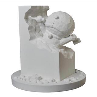 メディコムトイ(MEDICOM TOY)の彫刻家ドラえもん White Ver. MEDICOM TOY(キャラクターグッズ)