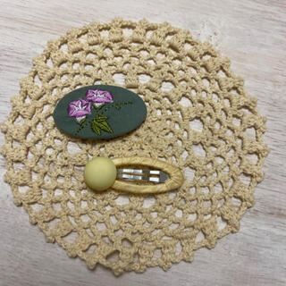 petit main - 【新品】🌼お花刺繍ヘアピン🌼