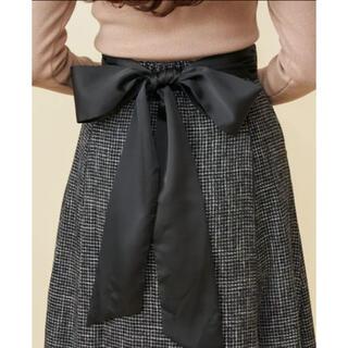 ミーア(MIIA)の【3/6まで出品】MIIA バックリボンスカート(ひざ丈スカート)