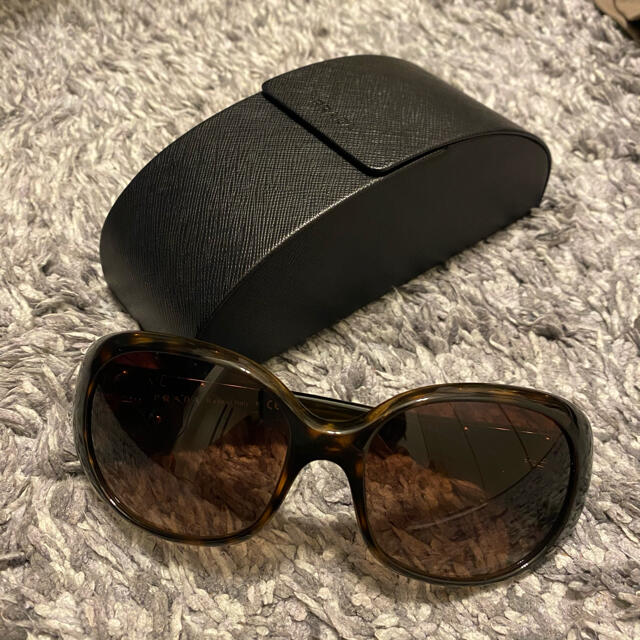 PRADA(プラダ)のPRADAサングラス レディースのファッション小物(サングラス/メガネ)の商品写真