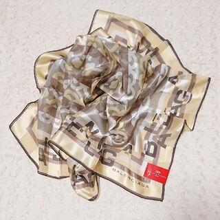 バレンシアガ(Balenciaga)の《未使用》シルク100% BALENCIAGA 88㎝×88㎝ スカーフ(バンダナ/スカーフ)