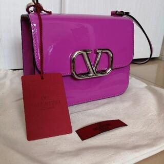 VALENTINO - 新品未使用★国内外完売カラー valentino ショルダーバッグ