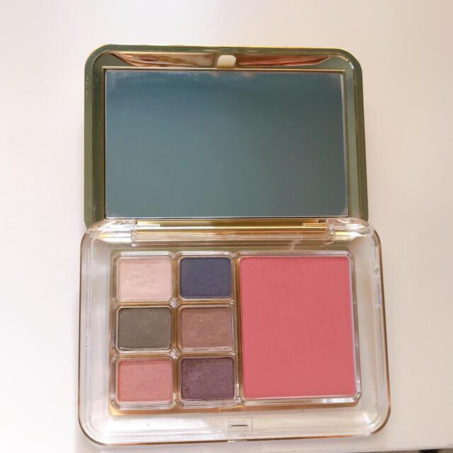 Estee Lauder(エスティローダー)のエスティーローダー アイシャドウ チーク デラックコンパクト コスメ/美容のベースメイク/化粧品(アイシャドウ)の商品写真