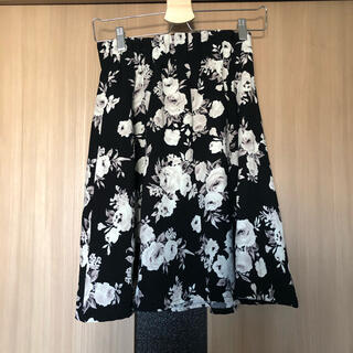 ダブルクローゼット(w closet)のw closet 花柄スカート フレアスカート(ひざ丈スカート)