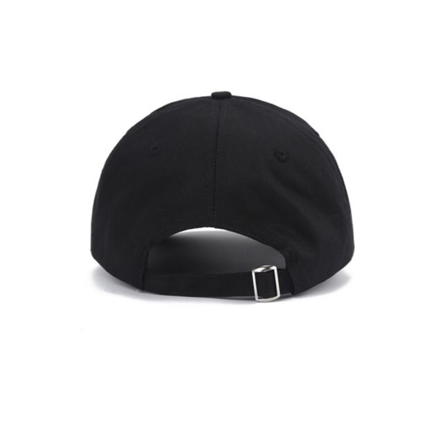 FEAR OF GOD(フィアオブゴッド)のFOG Essentials キャップユニセックスサイズ調節可能 帽子キャップ メンズの帽子(キャップ)の商品写真