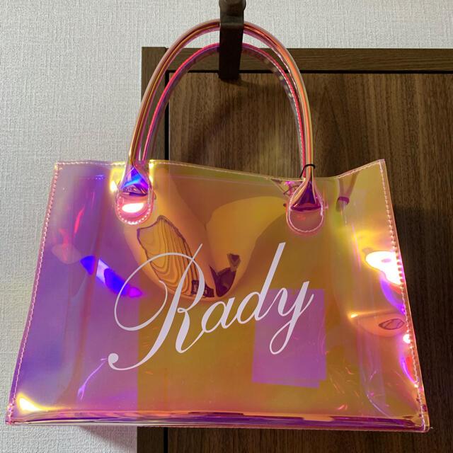 Rady(レディー)のRady♡オーロラピンク♡クリアハンドバッグ レディースのバッグ(ハンドバッグ)の商品写真