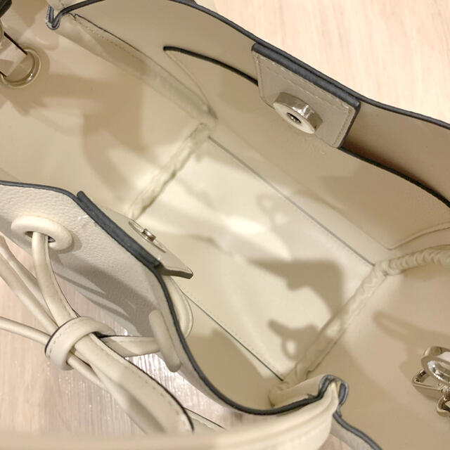 FRAY I.D(フレイアイディー)のFRAY I.D リボンミドルバッグ レディースのバッグ(ハンドバッグ)の商品写真