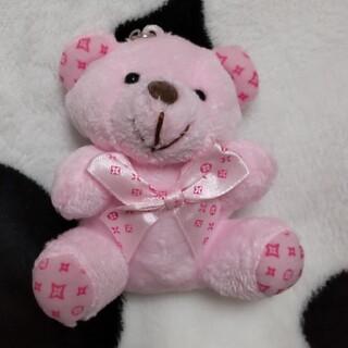 モノグラム柄 ピンクの熊さん バッグチャーム キーリング  ピンク リボン (キーホルダー)
