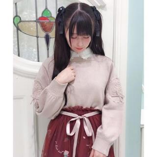 フィント(F i.n.t)の袖ローズ刺繍ニットプルオーバー / F&A(ニット/セーター)