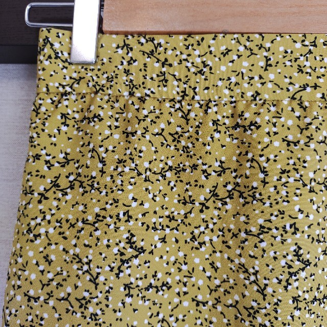 GU(ジーユー)の花柄ロングスカート レディースのスカート(ロングスカート)の商品写真