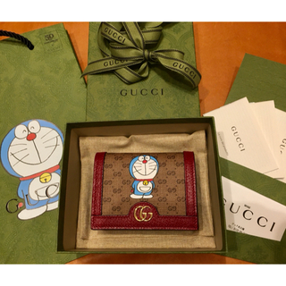 Gucci - DORAEMON x GUCCI カードケース (コイン&紙幣入れ付き)