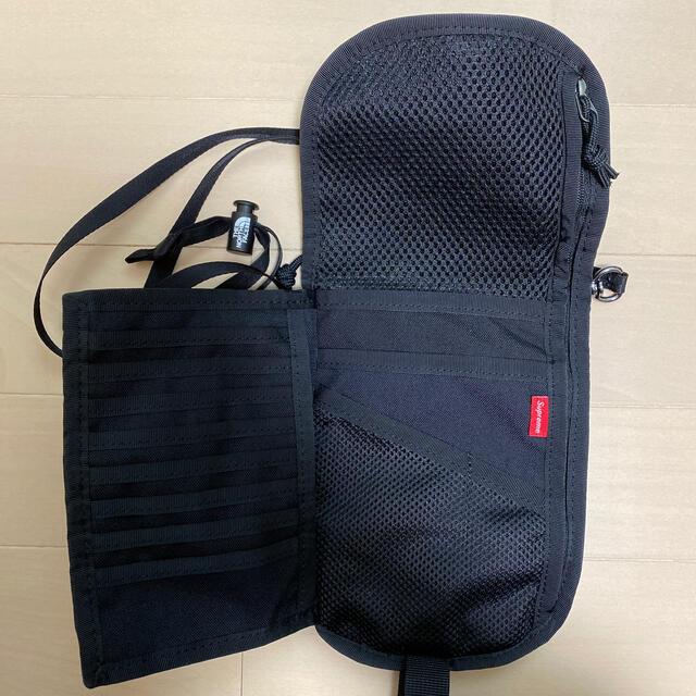 Supreme(シュプリーム)のSupreme ノースフェイス ポーチ メンズのバッグ(ショルダーバッグ)の商品写真