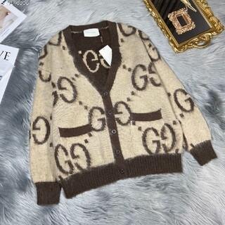Gucci - セーターとカーディガンのコート